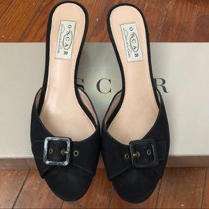 Oscar De La Renta Black Heeled Shoes w/ Buckle